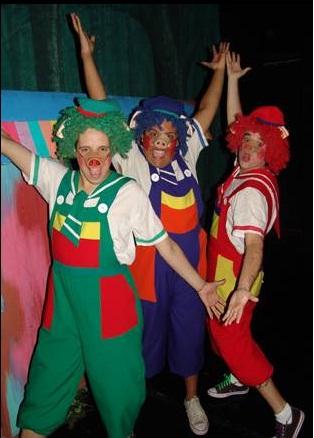 a fevereiro teatro os tres porquinhos