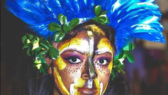 LÚCIA CAVALHEIRO Fecha 2018 Com Performance ODISSEIA TRIBUS na Apresentação de Fim de Ano de Escolas de Dança